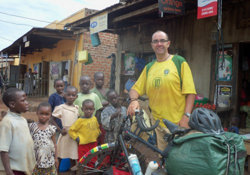 L'Afrique à vélo durant un an en solitaire - 14 h